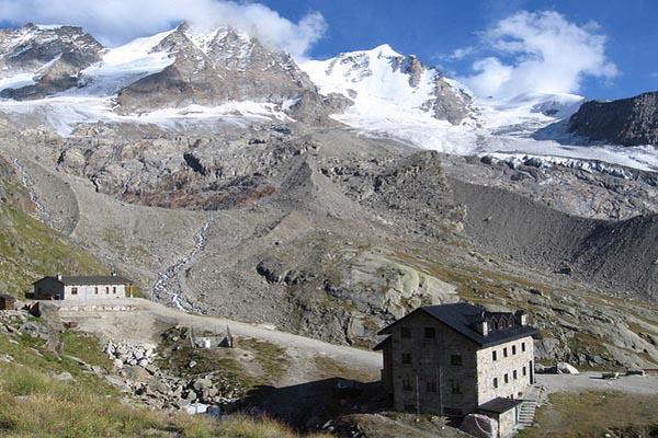 rifugio chabod trekking